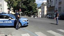 Cosenza, fanno esplodere un cassonetto della nettezza urbana: denunciati tre giovani