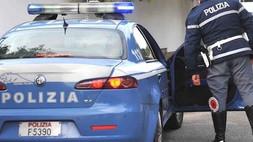 Rapinano e compiono violenze fisiche sulla vittima: tre bulli arrestati dalla polizia a Rossano