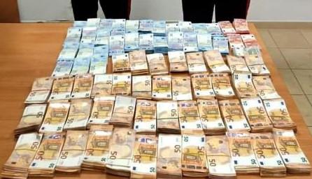 Un milione e mezzo di euro sequestrati: due denunce per riciclaggio a Gioia Tauro