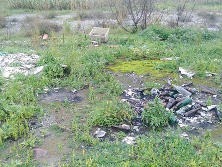 Scalea, i rifiuti del Lao: dal monte arrivano al mare. La denuncia di Italia nostra