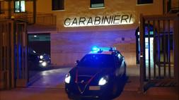 Senza patente, inseguito su una Smart. Risultata rubata a Piacenza