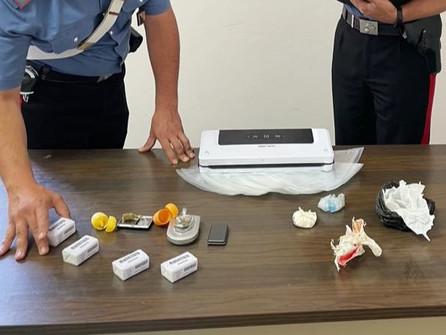 Sorpreso con la droga in casa: arrestato dai carabinieri nel cosentino