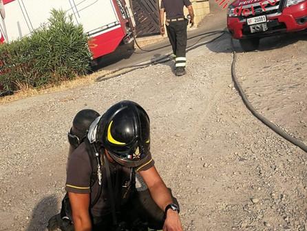 Incendi, attivi in Calabria 57 roghi