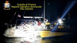 Intercettata una barca a vela con 67 migranti, al largo di isola Capo Rizzuto