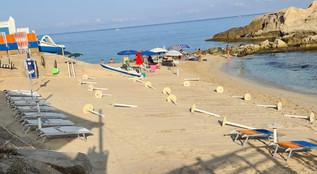 Ricadi, spiaggia di Riaci allestita abusivamente e poi restituita ai bagnanti con un'attività