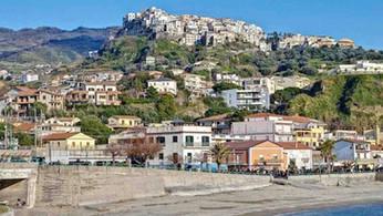 """Belvedere Marittimo, turismo: """"Borgo del castello d'oro"""", protocollo d'intesa"""