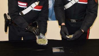 Crotone, arrestato un giovane per possesso di marijuana