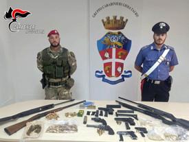 Gioia Tauro, recuperato un arsenale: pistole clandestine e fucile a pompa