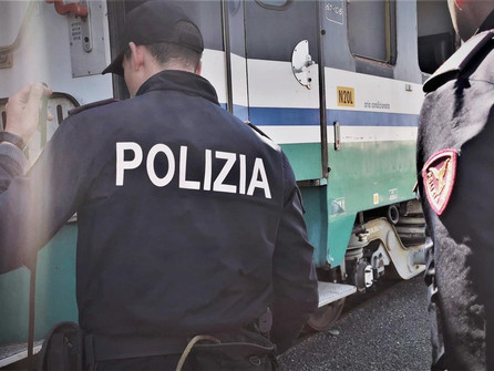 Resistenza e oltraggio: arrestato dalla Polfer di Paola