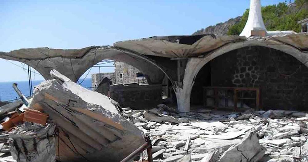 Praia a Mare isola di dino, rifiuti