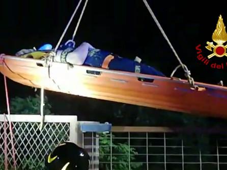 Catanzaro, si lancia dal ponte Morandi: recuperata dai vigili del fuoco - VIDEO