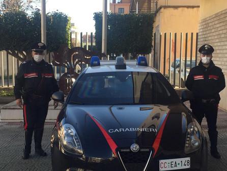 I carabinieri soccorrono una neonata denutrita, a Corigliano Calabro