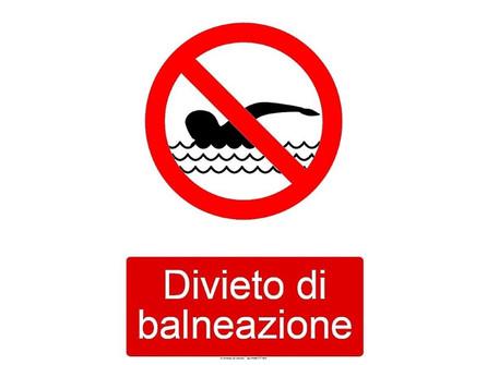 Praia a Mare, divieto di balneazione in zona Fiumarella