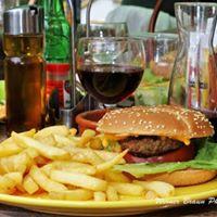 Hamburger maison et vin de Gaillac