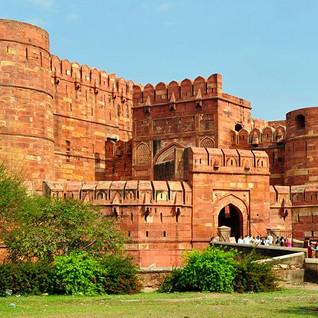 11. Agra Fort.jpg