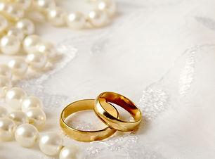 wedding-background-perls-ring.jpg