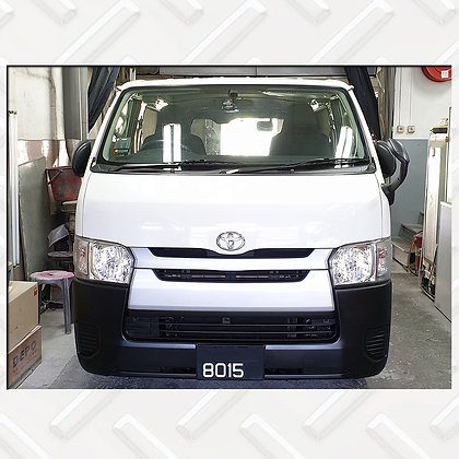Toyota HiAce 8015
