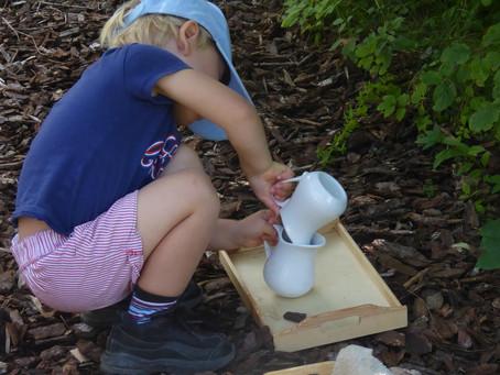 Montessori au jardin - les photos