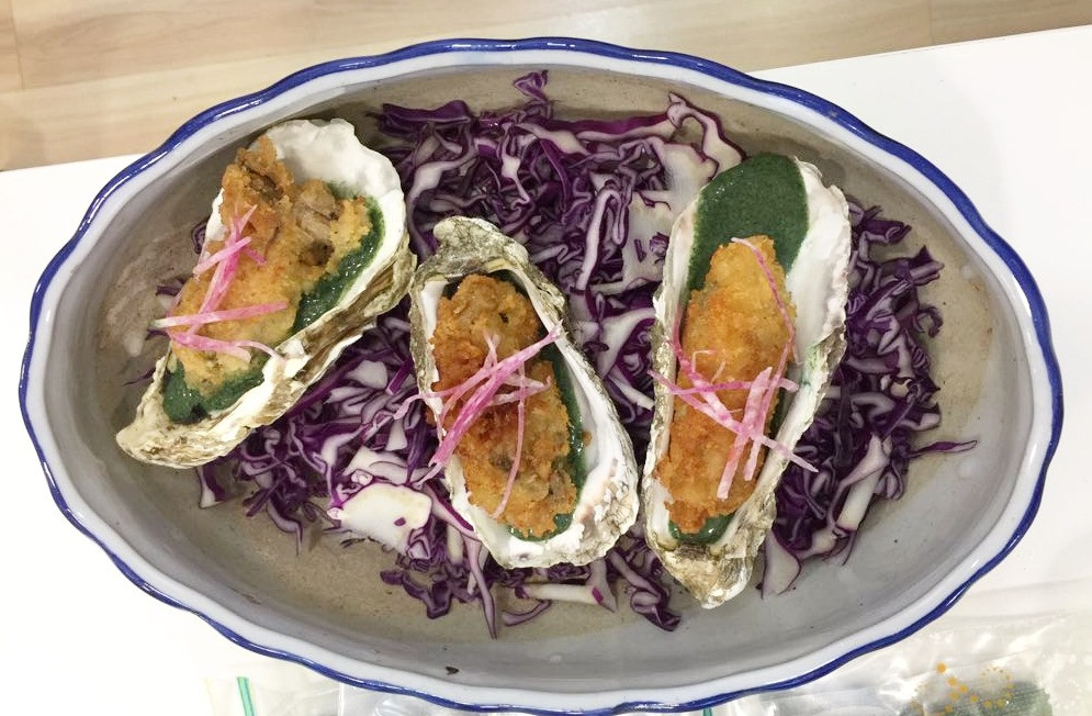 Fried oyster with algae source