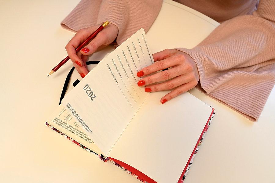 ruce-kniha
