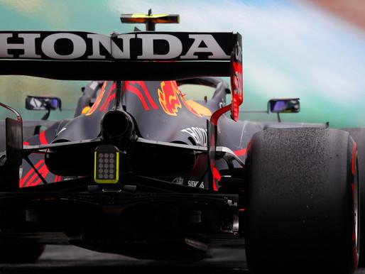 【變形尾翼】F1紅牛又玩黑科技?Flexi Wing對F1賽車有甚麼好處?賽會如何監管變形尾翼?為何各支F1車隊都有不滿?