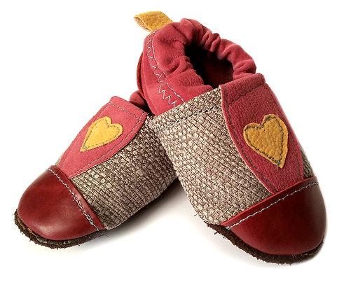 נעלי טרום הליכה ורודות עם לב1