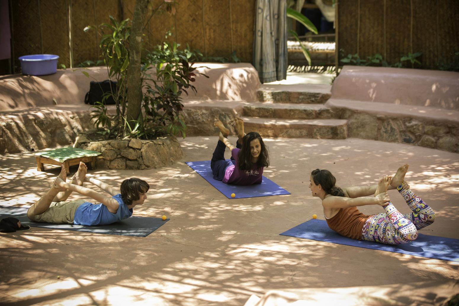 Orsi Plutzer Kids Yoga bow