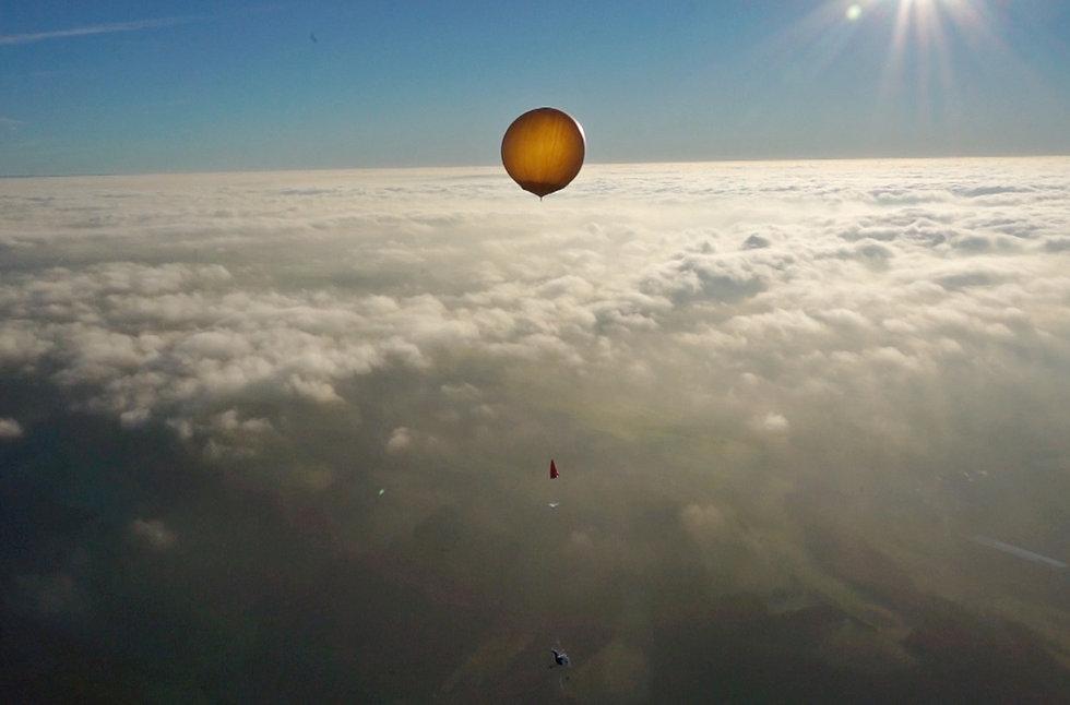 wetterballon_ueber_wolken.jpg