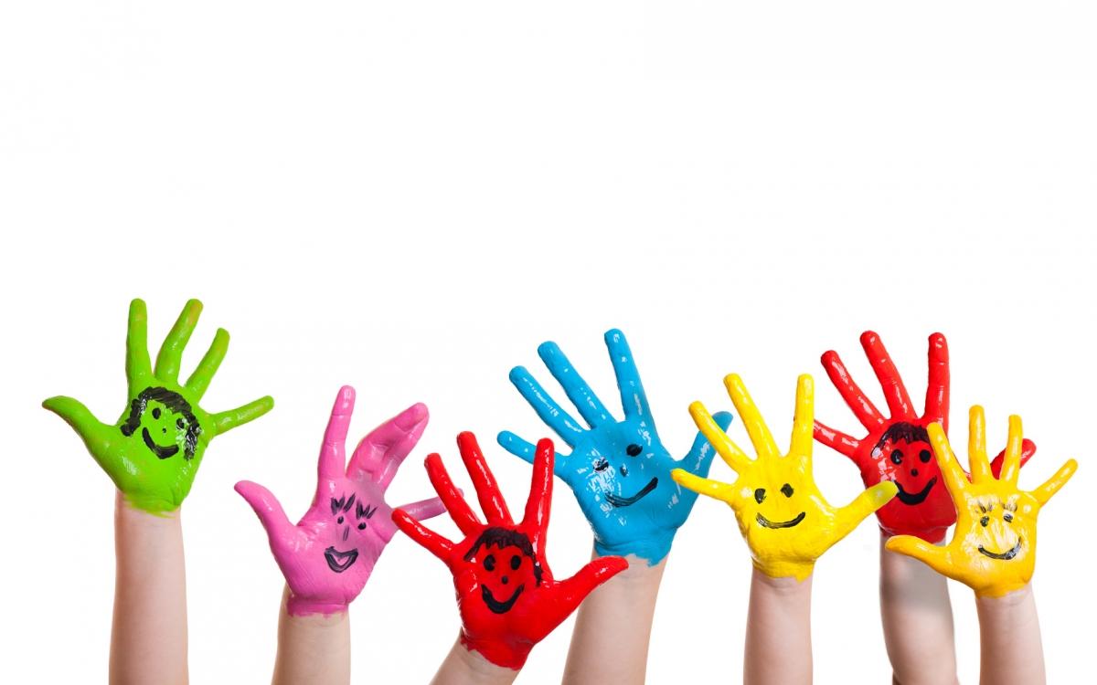 Kindergarten-bunte-Haende_1200x750-ID20940-68b224c7bf510444c176e934b2597199