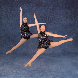IMG_5851  Audrey & Hannah.jpg