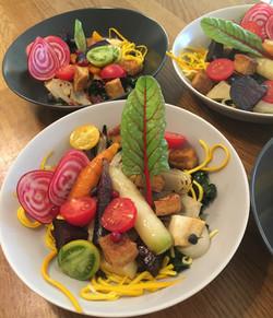 bowl med grillade grönsaker
