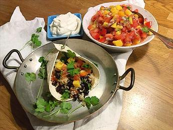 Wraps med bönröra och mangosalsa