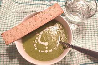 Potatis- och purjolökssoppa med grönkål