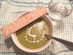 Potatis och purjolökssoppa grönkål