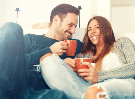 7 Things Incredibly Strong & Happy Couples Do Differently