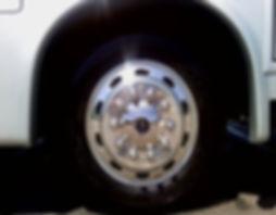 Chrome-capped RV wheel