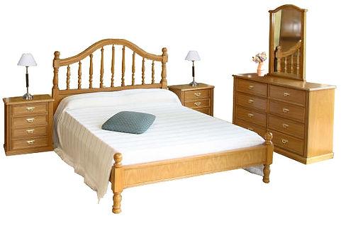 Juego de dormitorio en Roble