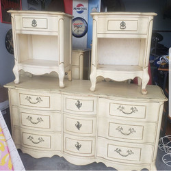 Dresser & Nightstands