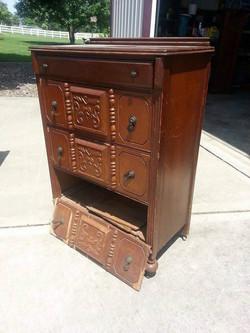 Dresser10