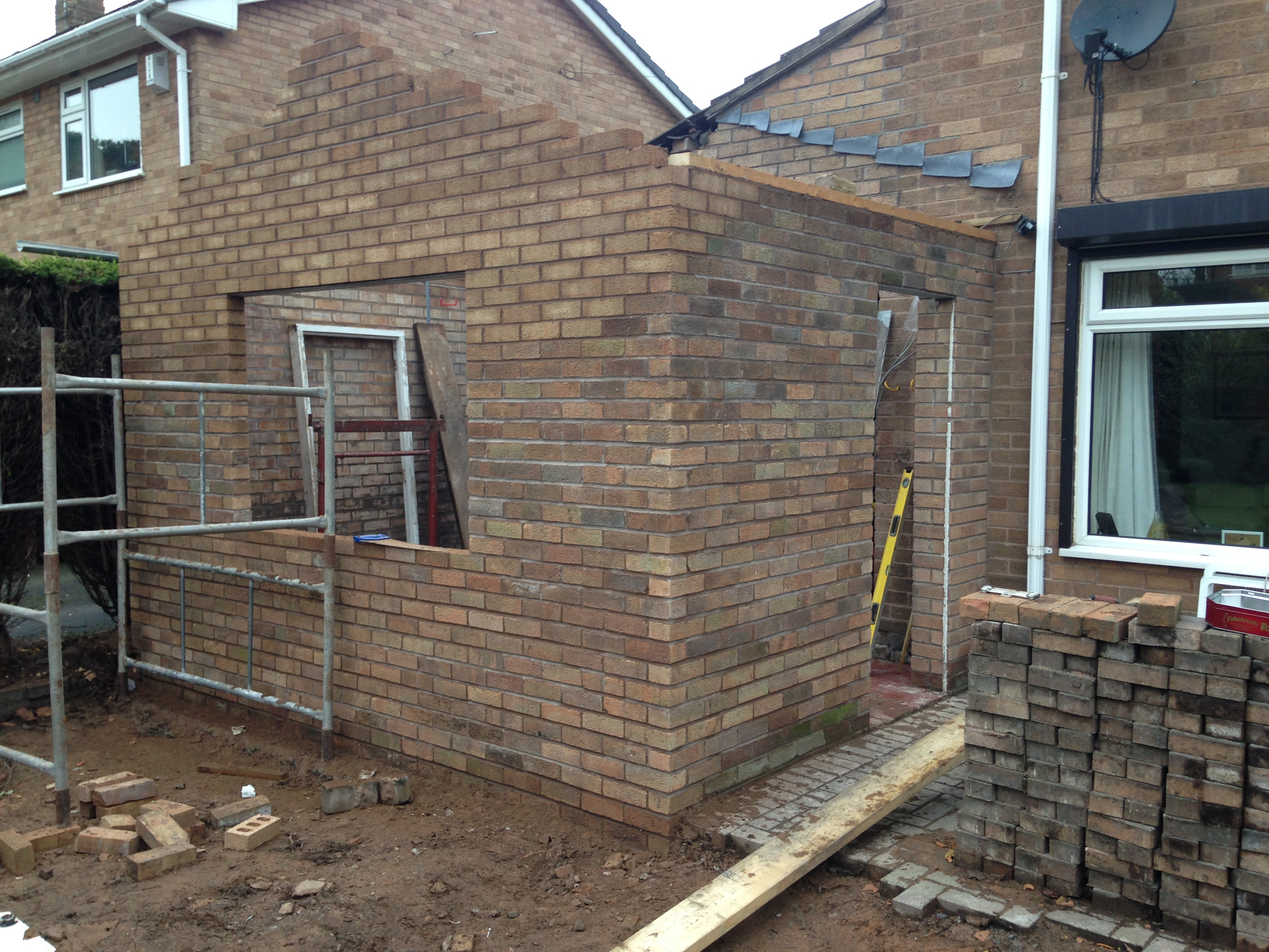 Single storey extension - brickwork