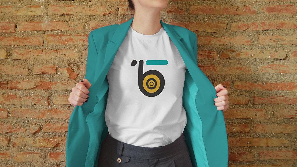 eazy_bee-mockup-t-shirt.jpg
