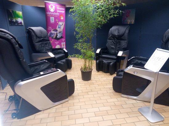 fauteuil-massage-en-carré-salle-de-repos