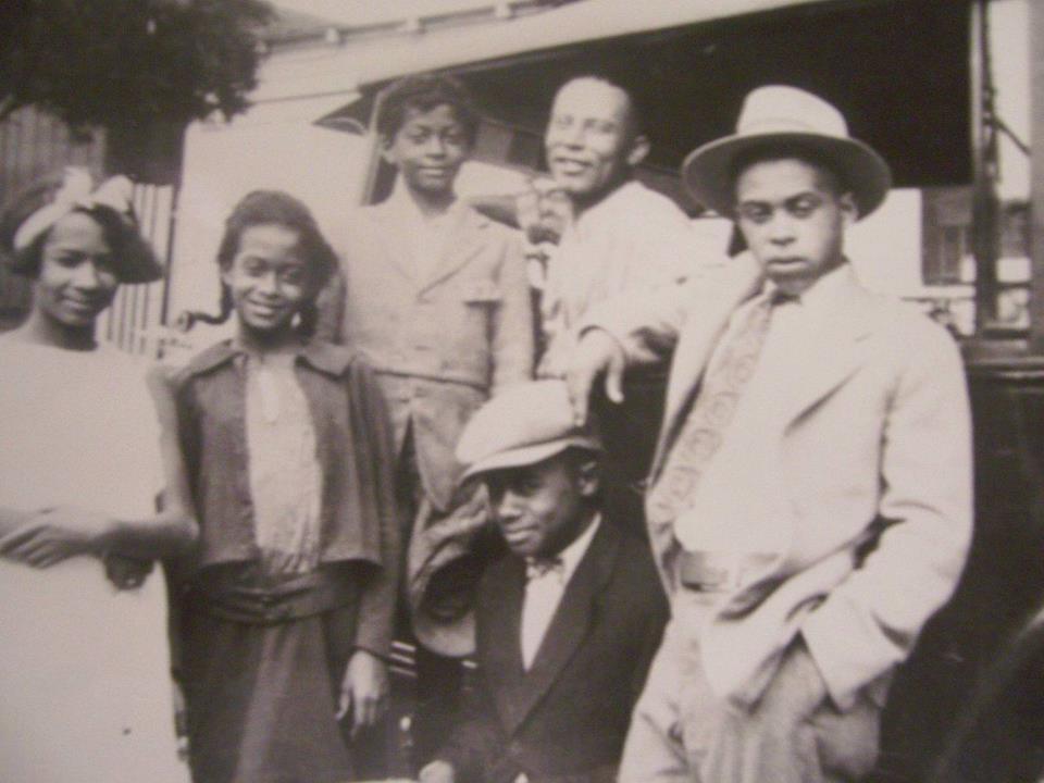 Ruth, Edna, Vernon, Big John, Bernard & John