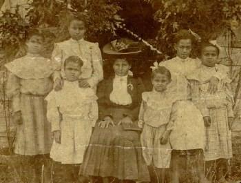 Delphia Moore Jacobs & daughters circa 1905