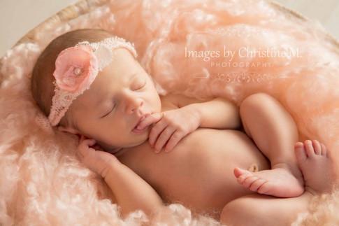 Omaha best newborn photographer