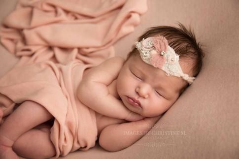Newborn in light pink