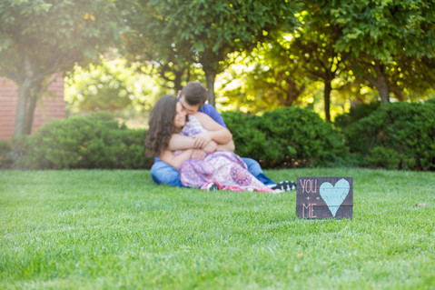 Engagement couple outdoor photography