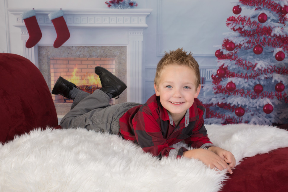 Photographers must be RICH charging over $100  for 15 minute Christmas mini sessions!