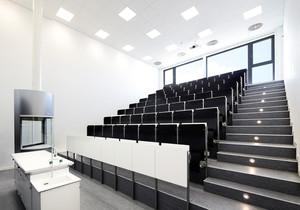 Hörsaal über 2 Ebenen