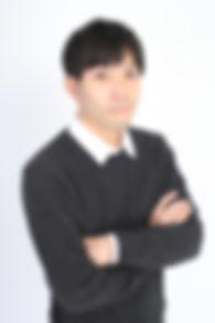 秋山浩太郎バストアップ.JPG